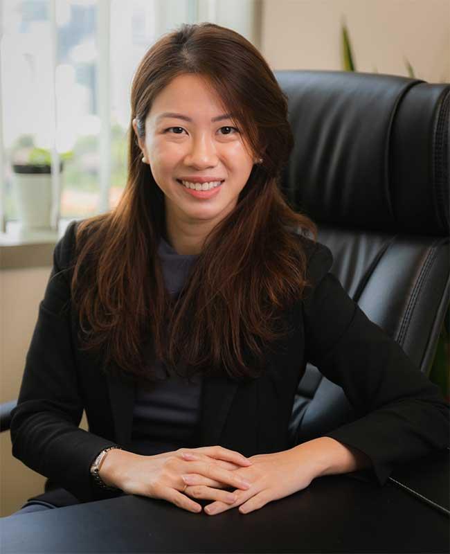 Dorothy Tan Female Divorce Lawyer